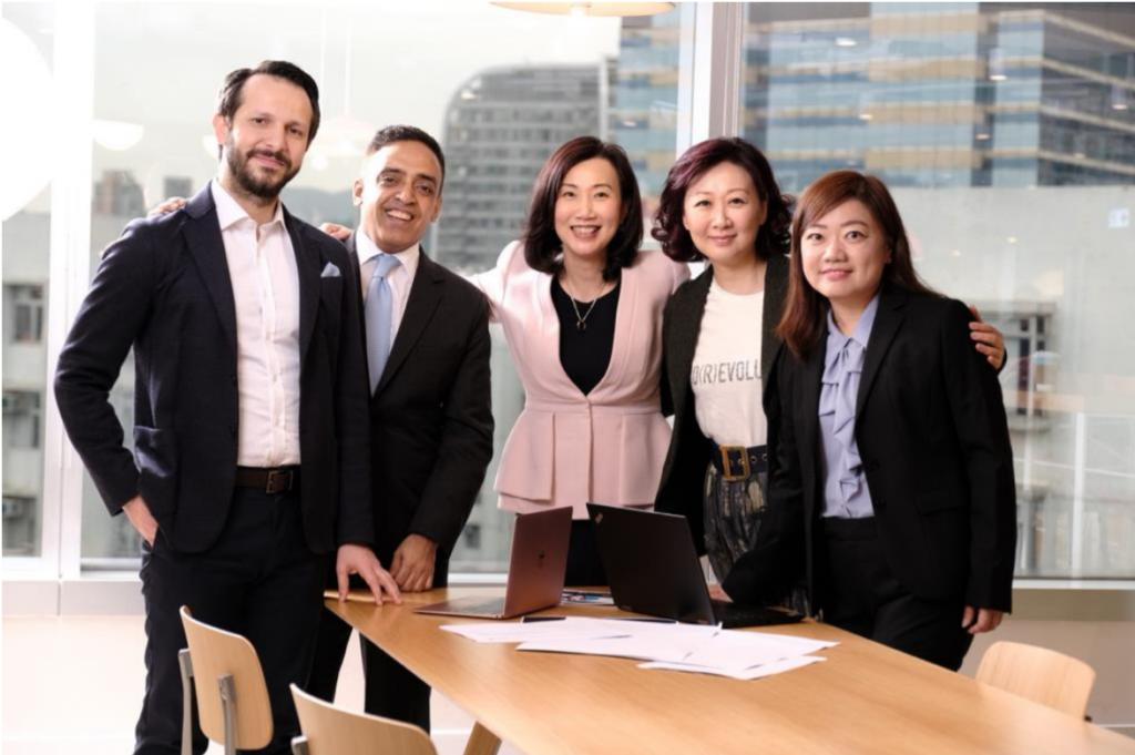 sc digital standard chartered ctrip HKT telco hkma hong kong virtual banking license